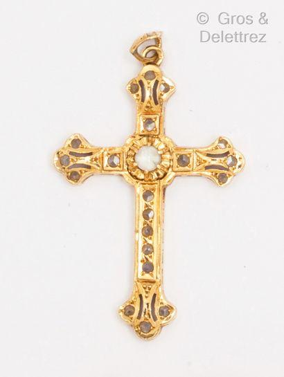 Pendentif «Croix» en or jaune, serti de...