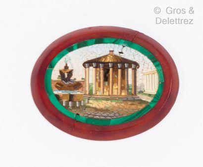 Plaque ovale de micro-mosaïque représentant...