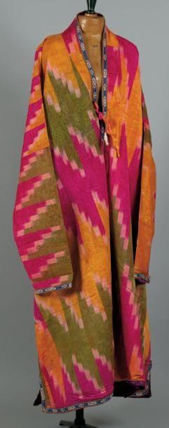 Costume. Costume en soie d'Asie Centrale...
