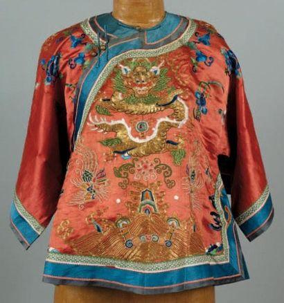 Un haut de vêtement chinois Petit manteau...
