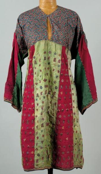 Une robe Robe du Moyen-Orient, Iran ou Inde....