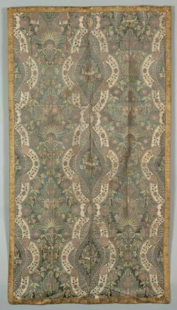 Un panneau Panneau textile composé de deux...