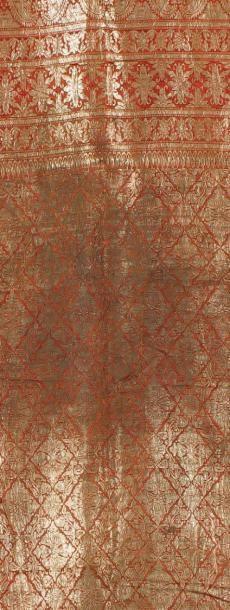 Un textile Indien Textile ancien comportant...