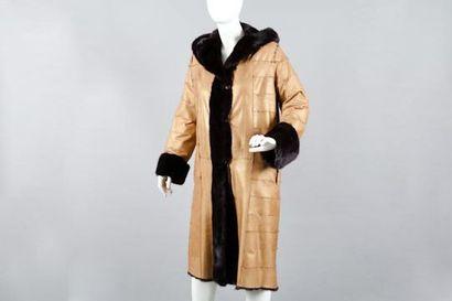 Manteau réversible en envers cuir vieil or...