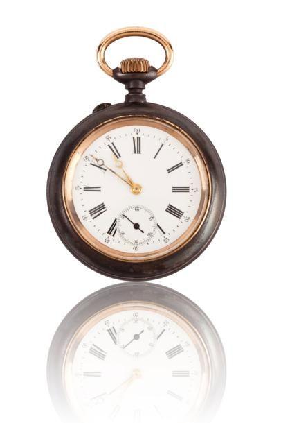 Lot comprenant trois montres de poche, dont...