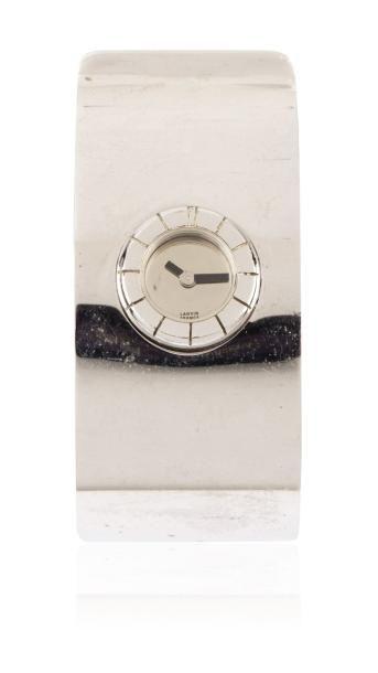 LANVIN Vers 1970 Originale montre bracelet tour de bras en acier. Boîtier rond. Cadran...