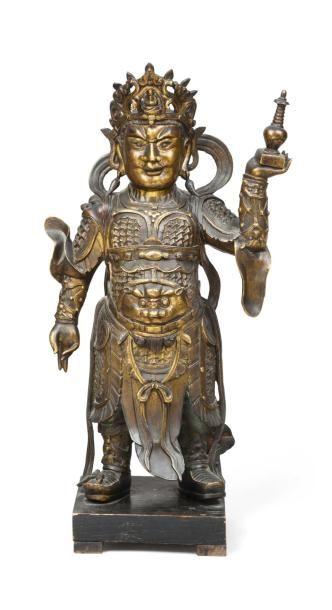 Sujet en bronze doré représentant GUANGMU...