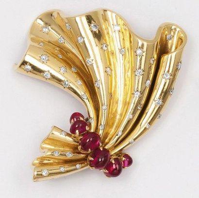 Broche «Noeud plissé» en or jaune ornée de...