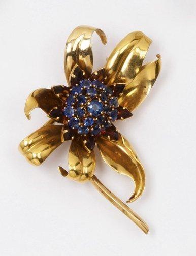 Broche «Fleur» en or jaune ornée en son centre...
