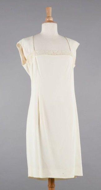 UNGARO Solo Donna, JOSEPH Robe en crêpe polyester ivoire, de forme droite, décolleté...