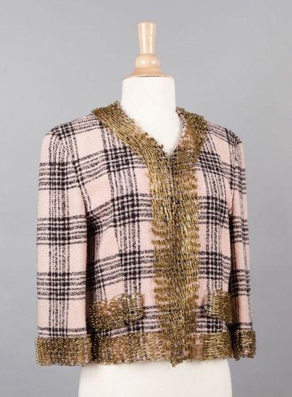 MOSCHINO Milano Veste en lainage bouclette écossais noir, rose, gansé d'une multitude...