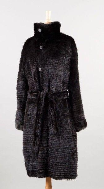 Manteau réversible en nylon de soie noir...