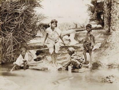 Femmes d'Afrique du Nord, c. 1880-1890.