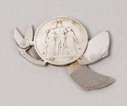 HERMÈS Paris *Manucure en argent figurant...