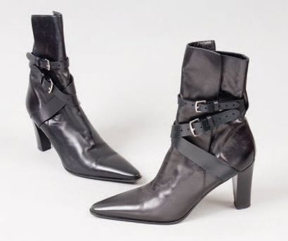 HERMÈS Paris *Paire de boots à talons en...