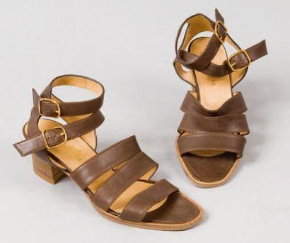 HERMES Paris made in France *Paire de sandales...