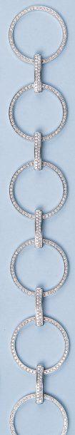 BOUCHERON - Bracelet articulé en or gris...