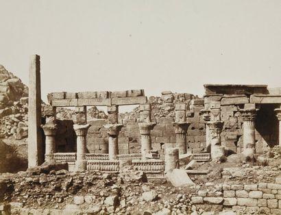 Félix Teynard (1817-1892) Île de Fîleh (Philae). Edifice du Sud et partie de la colonnade...