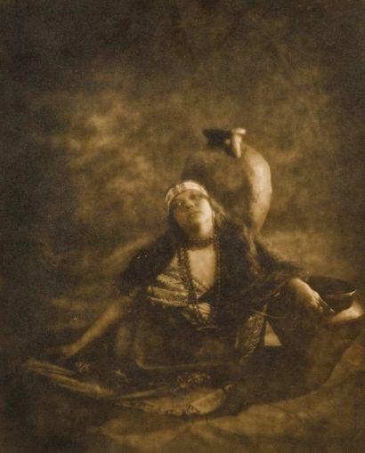 Naida. An egyptian water girl. c. 1920. Tirage...