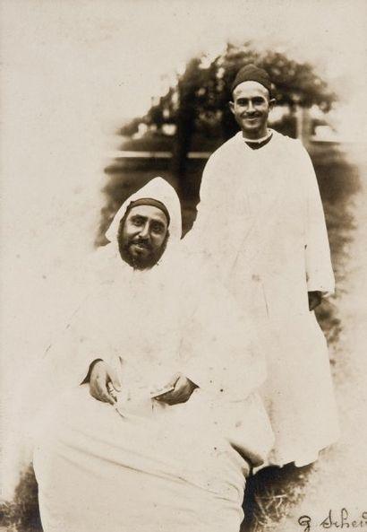 Sultan Moulay Hafid et son trésorier Ahmed, c. 1920.