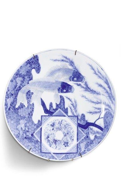 Grand plat en porcelaine bleu et blanc le...
