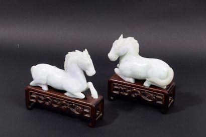 Deux sujets en jadéite représentant des chevaux...