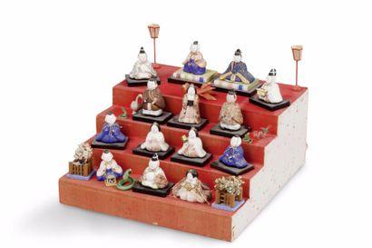 Ensemble de 14 petites figurines en céramique...