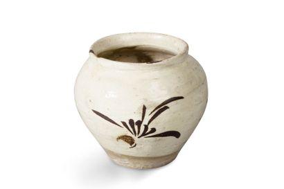 Petite jarre en grès beige, de type Cizhou,...