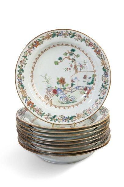 Ensemble de 9 assiettes en porcelaine de...