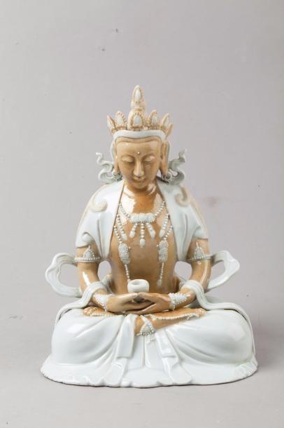 Chine, XXe siècle Sujet en porcelaine partiellement...
