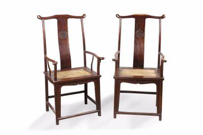 Chine, XXe siècle Paire de fauteuils Taishi...