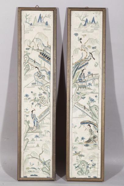 Chine, XIXe siècle Deux petites broderies...