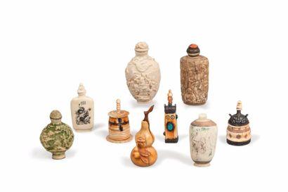 Chine et Tibet, XXe siècle. Lot de 10 flacons...