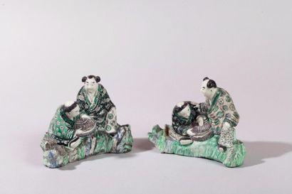 Chine, XIXe siècle Deux groupes en porcelaine...