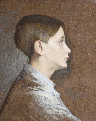 • Portrait de jeune homme  Pastel, signé...