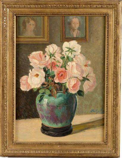 Vase de roses Huile sur panneau, non signée....