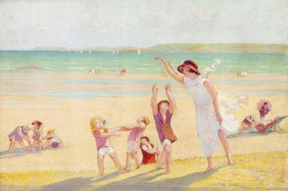 Jeune femme et enfants jouant sur la plage...