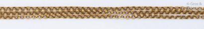 Collier de trois rangs d'or jaune à maillons...