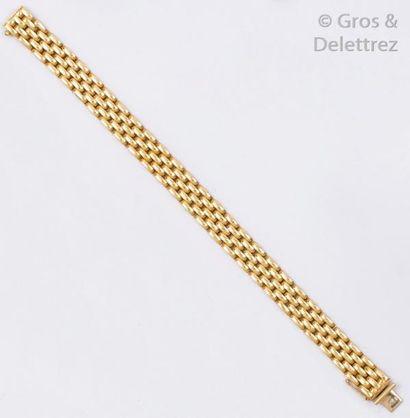 Bracelet souple en or jaune. Longueur: 18...