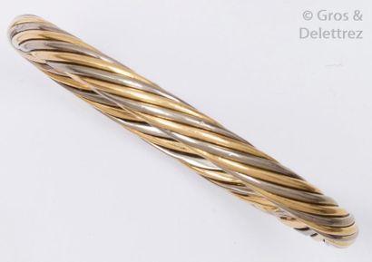 Bracelet jonc en or jaune de trois couleurs...