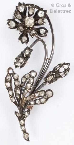 Broche «Fleur» en or et argent sertie de...