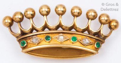 Broche «Couronne» en or jaune ornée de diamants...