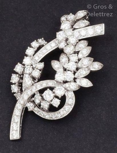Broche «?Fleurs?» en or gris ornée de diamants...
