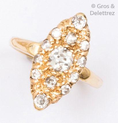Bague «?Marquise?» en or jaune ornée de diamants...