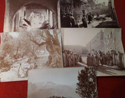 [PHOTOGRAPHIE]. Cinq tirages photographiques...