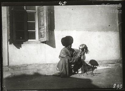 Photographe de la mission Voyage d'Henry...