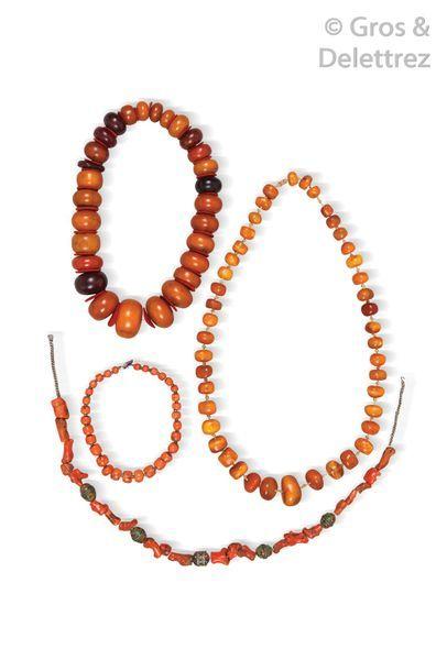 Grand collier d'ambre et composition façon...