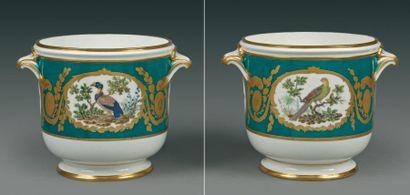 Sèvres Deux seaux à demi-bouteille en porcelaine...