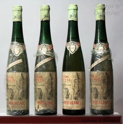 4 bouteilles ALSACE - RIESLING - Léon Beyer...