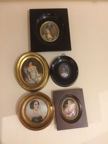 Lot de cinq miniatures représentant des ...
